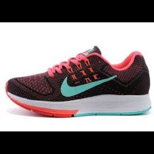 7dea2158bb4 Nike Shoes - Nike women s air zoom structure 18